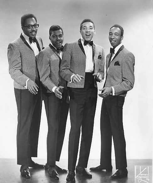 Smokey_Robinson_and_The_Miracles_1972